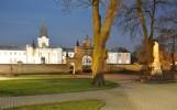 Plac Kościoła Św. Trójcy i Pałac Potockich w RadzyniuPodl. nocą 2009,  fot. T. Młynarczyk